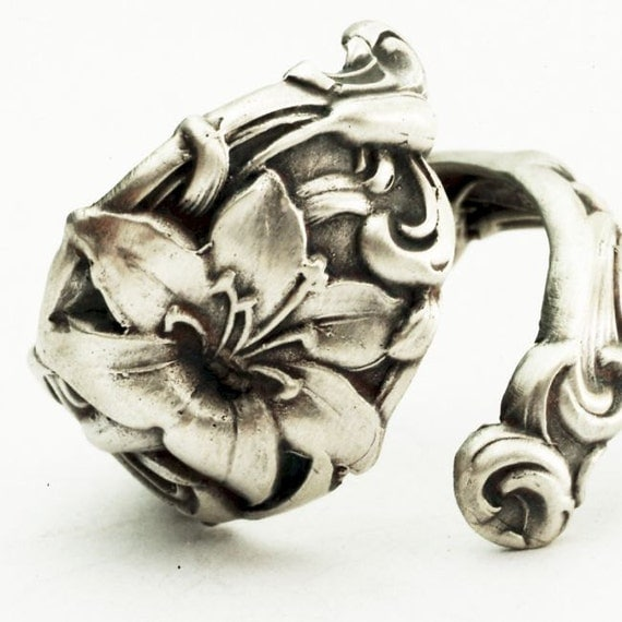 Spoon Ring Vintage Lovely Lily Sterling Silver Spoon Ring, Handcrafted in your size (2549)