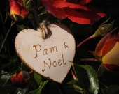 10 Custom personalized Wedding decoration Wooden heart Personalised rustic hanging heart Gift tag Wedding guest name tag engraved pyrography