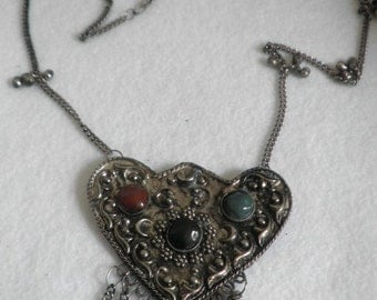 India Bead Pewter Heart Stone Necklace