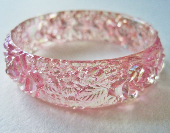 Vintage 60s Retro Art Nouveau RARE Carved Style Plastic Transparent Peachy Pink Aurora Borealis Flower Leaf Bangle Bracelet