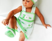 Discount - Hand knitted baby set  in three parts - tunic, hat and botties, green and white children set, Ready to Ship