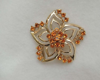 Beautiful Vintage pin / brooch... AMBER RHINESTONES