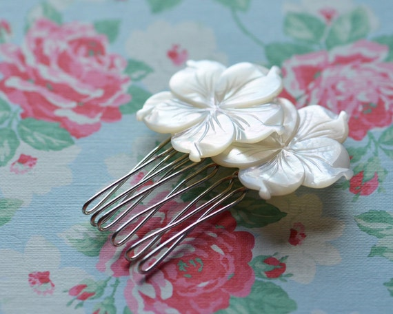 Hair Comb Wedding Flower Floral Bride Bridesmaid Maid of Honour Blossoms Blooms Silver Plated Mother of Pearl Flower