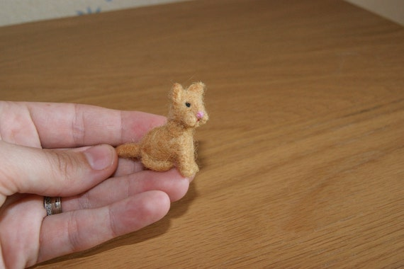 Felted cat, sitting needle felted cat, white cat, pet, super tiny, miniature animal, felt toy