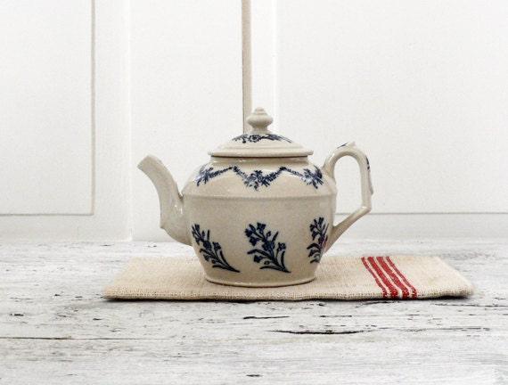 VINTAGE ///// French Teapot