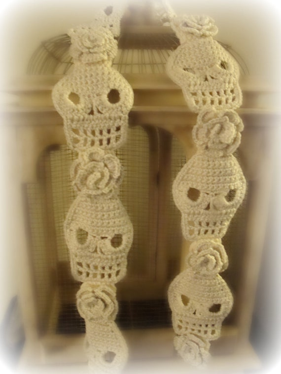 Crochet Pattern For Skull Shawl : Cute Crochet Skull Scarf with Roses by WickedCrochet71 on Etsy