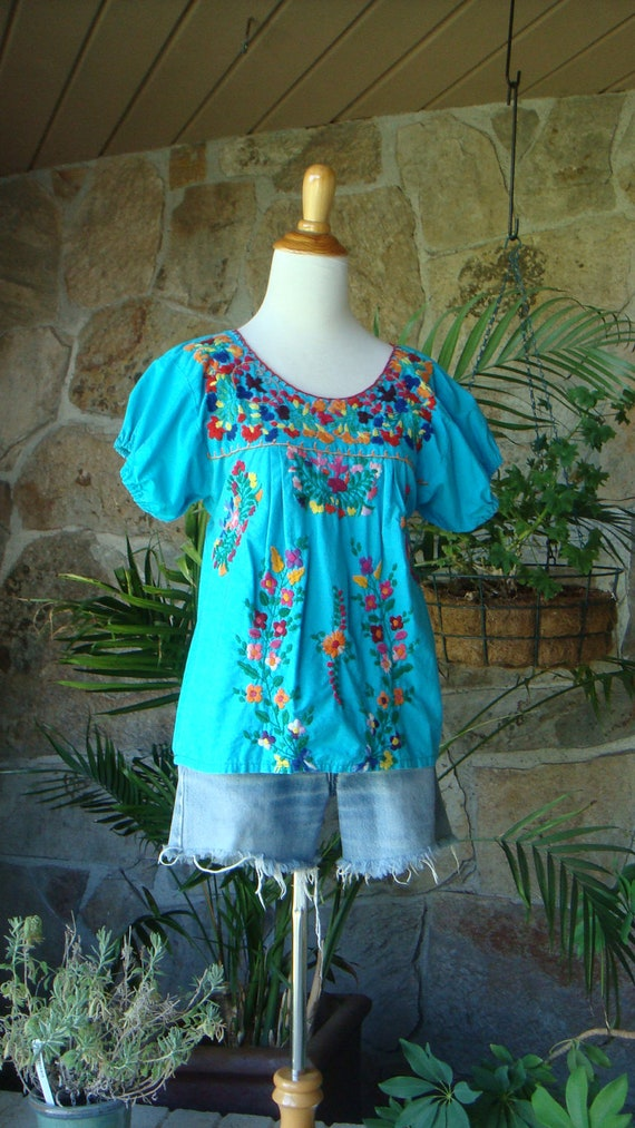 EMBROIDERED PEASANT TOP vintage 1970s Mexican S