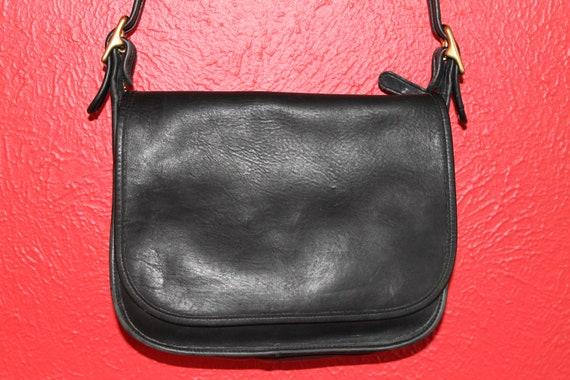 vtg. COACH long strap shoulder cross body saddle vibe bag Black