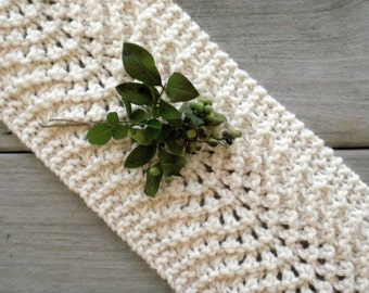 Hand knit scarflette / snow white / winter cowl / urban rustic / neck cozy / soft vanilla white / cottage chic / crocheted flower brooch