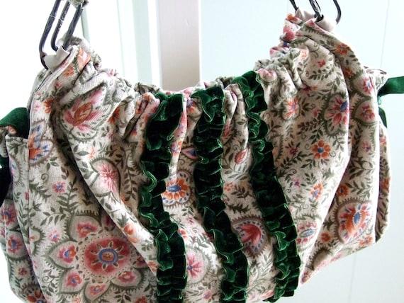 Floral Corduroy Hobo Shoulder Bag / Emerald Green Velvet Ribbon / Vintage Art Deco Details
