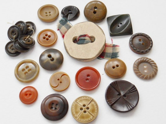 RESERVED FOR STEPHANIE  Vintage Plastic Buttons In Fall Colors