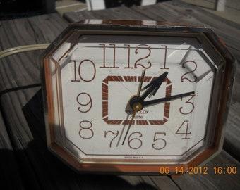 Vintage Alarm Clock Electric Westclox Dialite  Telstar made in USA Brown Retro