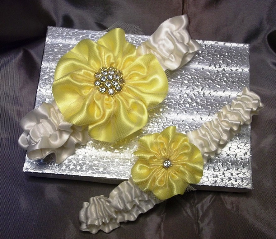 Yellow Bridal Garter Set Wedding Garter Set In Yellow And