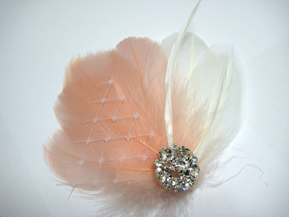 Wedding Bridal Bridesmaid Off White Peach Pink Feather Rhinestone Jewel Veiling Head Piece Hair Clip Fascinator