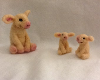 Needle Felted Mama and baby Pigs