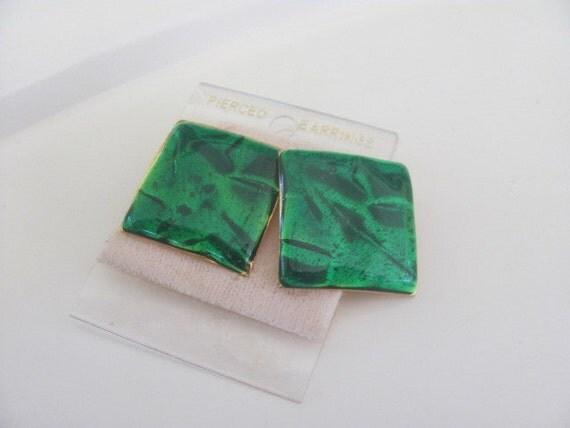 Vintage Emerald Green Enamel Earrings from the 1990s for pierced ears