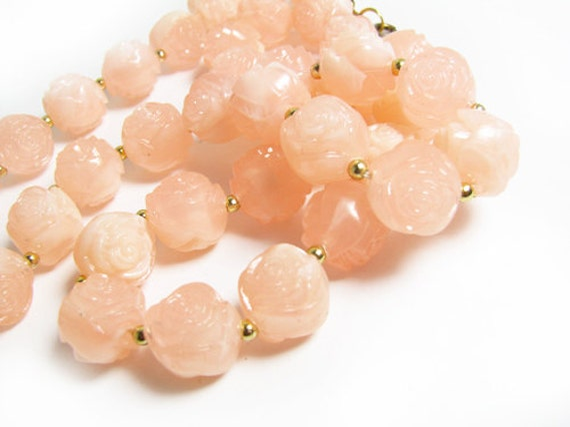 Vintage Flower Necklace, Marbleized Pink - Collier Vintage. Vintage Jewelry by My Chouchou.