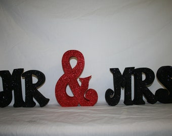 Wood letters, Wedding decoration, Photo prop, Wedding gift, Wedding centerpiece, Mr and Mrs sign, Bride and groom, Black and red, Wood decor