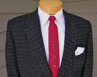 vintage 40's - 50's Men's Hollywood sport coat. White & Lavender atomic fleck on Black. 2 button - Darted front. Size 40 Regular