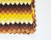Vintage Scalloped Throw - Warm Autumn Colors