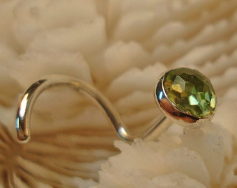 PERIDOT, 4mm, nose jewelry, nose stud, nose screw, nose ring, August birthstone, fine silver, argentium, rose cut