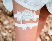 Wedding garter set, Bridal garter set, beaded lace garter, ivory emroidered lace garter - LACY