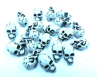 10 Halloween Gothic Skull Shape Acrylic Skull White Beads 22mm