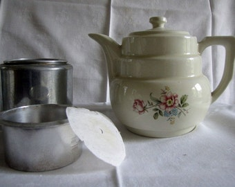 Vintage Drip O Lator Coffee Pot Superior Quality Flowers Lid Pot Basket Filter