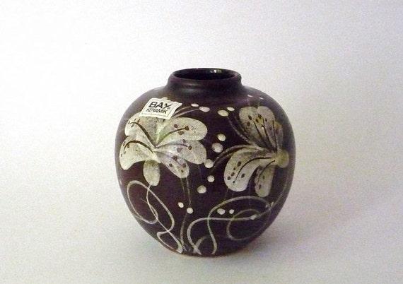 Vintage Bay Flowered Vase