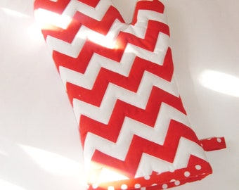 Oven Mitt - Red and White Chevron - Gift for Foodie - Gift Under 20
