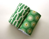 ECO-FRIENDLY Burp Cloths - Daisies and Ivory Chain - Set of 2 - Gender Neutral