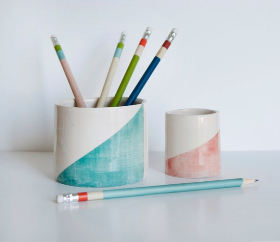 Pencil Holders in ceramic with geometric motifs pink and mint