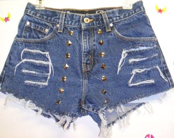 LEVIS Hipster Mid Rise Denim Shorts -Distressed -- Studded--- -Sz  7
