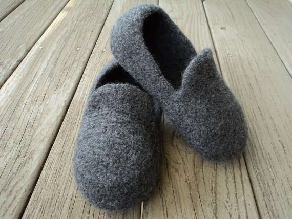 Knitting Pattern For Wool Slippers : PDF Mens Loafer Slipper Felted Wool Knitting Pattern