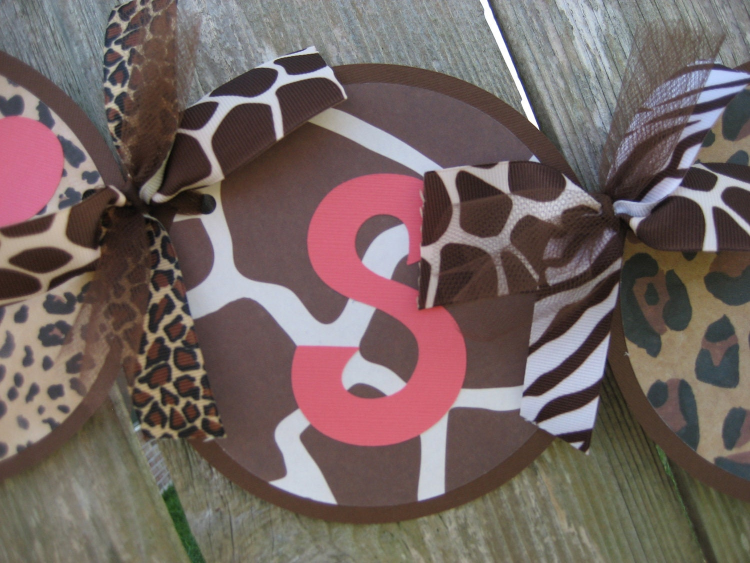 Animal print baby shower decorations it 39 s a girl baby for Animal print baby shower decoration ideas