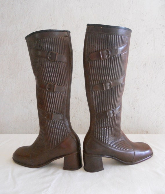 70s Rain Boots / Mod Leather Look Boots / Brown Size 8