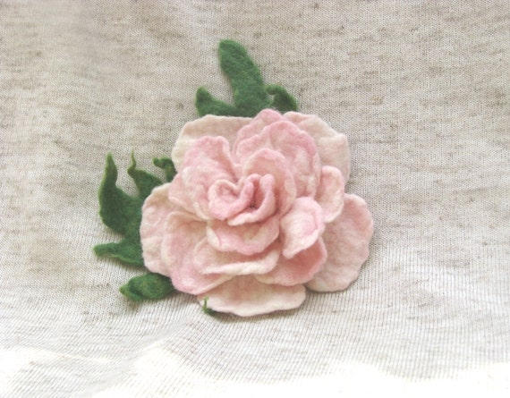 Gentle pink peony. Felted brooch. Ready to ship. Gift under 25