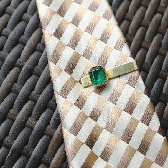 Vintage Mens Jewelry, Tie Clip, Green Emerald Cut Rhinestone, Mid Century Modernist, Gold Bar, 1950s Mad Men, Wedding Groom Accessory