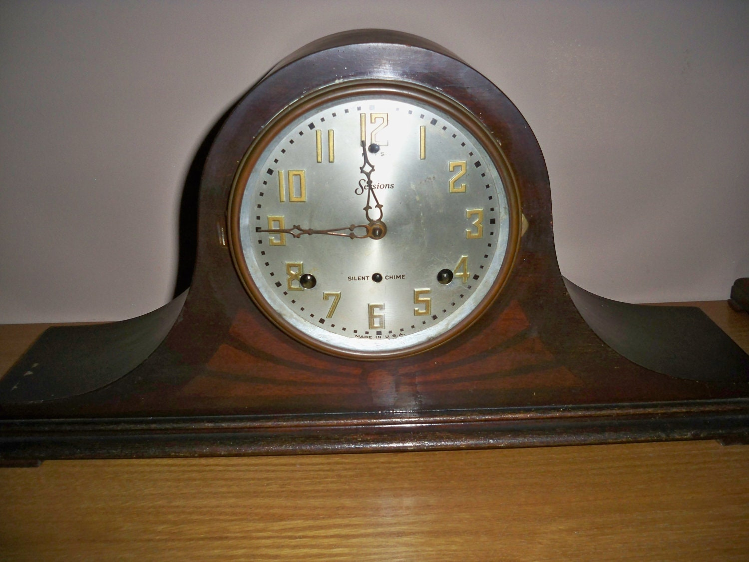 Reduced Price Vintage Sessions Mantle Clock