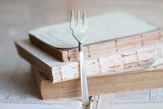 The Prettiest Little Fork with Mother of Pearl Handle