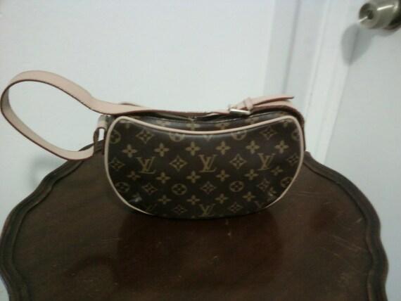 RESERVE For Denise-Louis Vuitton Crescent Bag