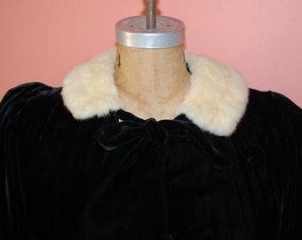 1930s Velvet Coat Long Elegant Evening Frock Luxurious Black Velvet Opera Cloak