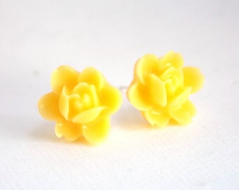 Yellow Earrings, Stud Earrings, Flower Earrings, Post Earrings, Bridesmaid Gifts, Bridesmaid Earrings, Bridesmaid Gifts