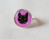Adjustable silver Ring with Black cat in shocking pink.