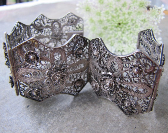Finely Crafted Antique Silver Filigree Panel Bracelet Intricate Wirework