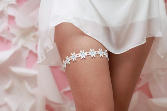 Something Blue - White Daisies Garter- White Cotton Lace
