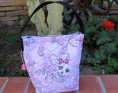 Pink Skulls.......Quilted lunch bag snack bag READY FOR SCHOOL
