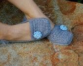 CROCHET PATTERN #117 - Womens House Slipper - six sizes included Women's 5,6,7,8,9,10 - Instant Download pdf - crochet slipper pattern