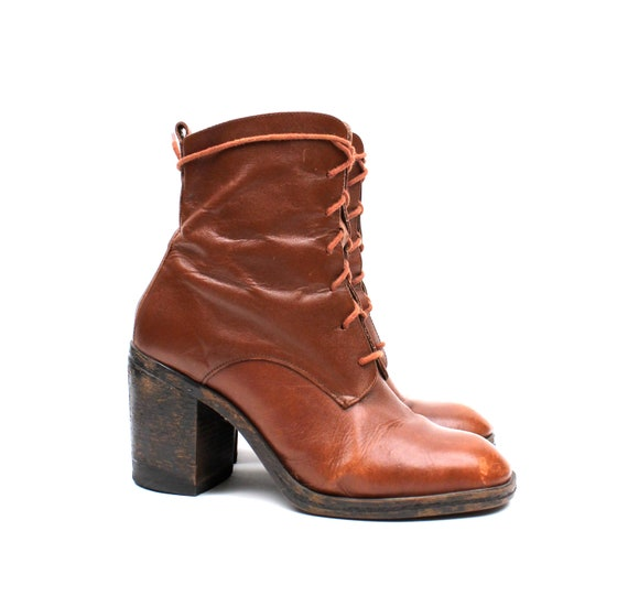 Stunning Distressed Brown Leather Lace Up Ankle Boots / vintage Super Chunky Heel / 90s grunge platform / Size 8 1/2