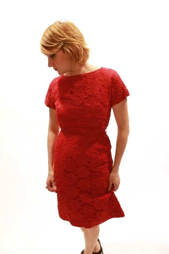 """1950s Siren Red Floral Lace Pin Up Dress, 26"""" Waist"""